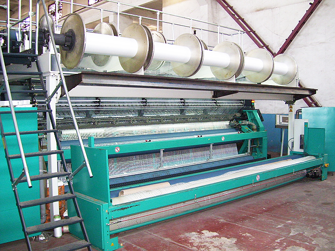 woven-geotextile-loom