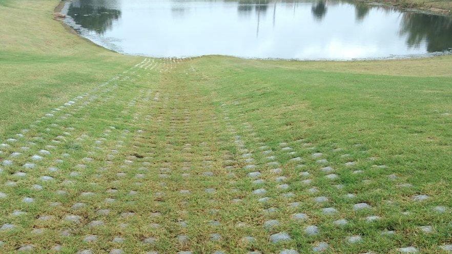 Australian concrete mats, shoreline, erosion control, flexamat, flexible concrete mat, earthlok, geogrid concrete mat, shoreflex