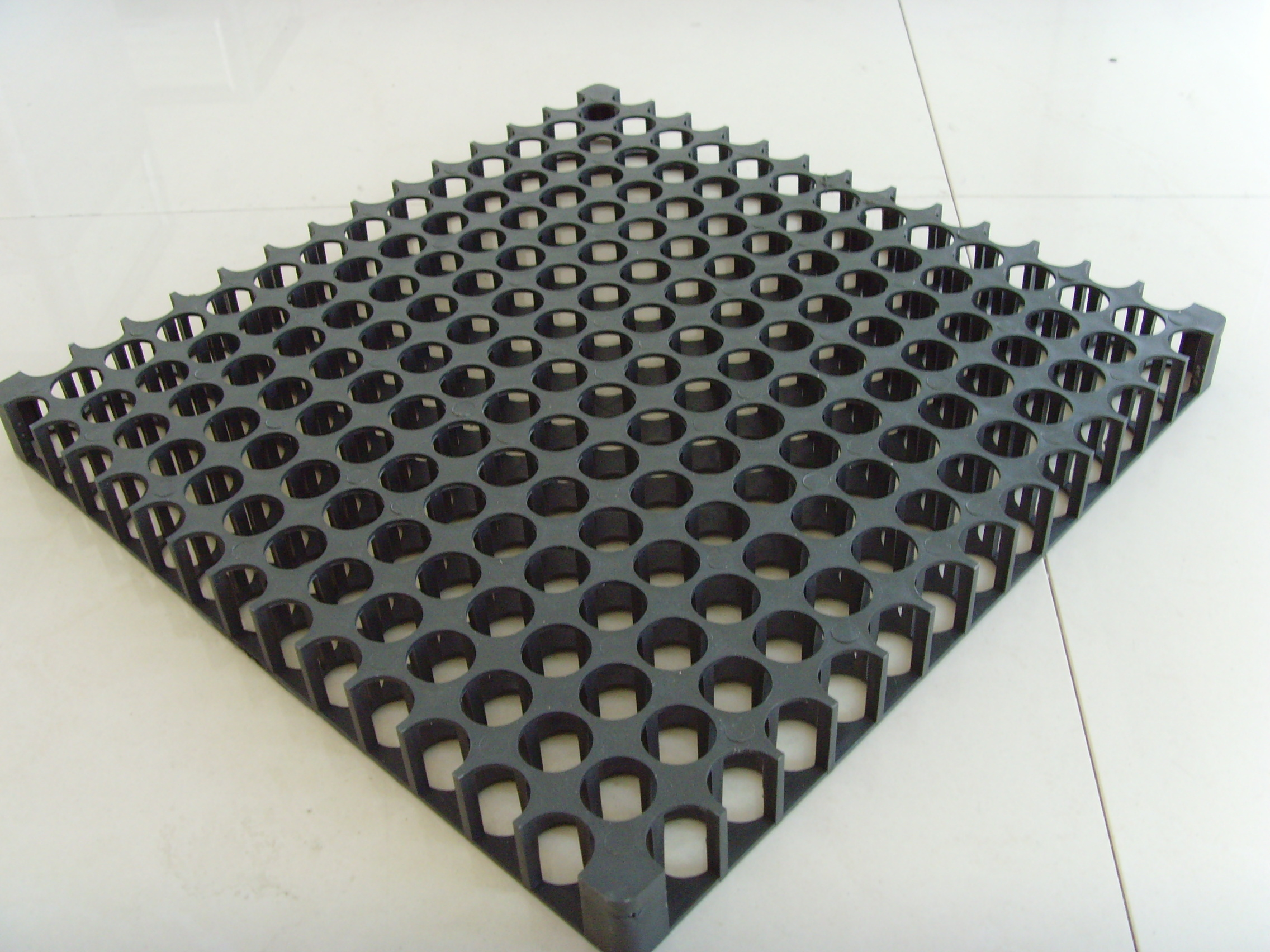 Drainage square for roof top gardens and sub surface drain