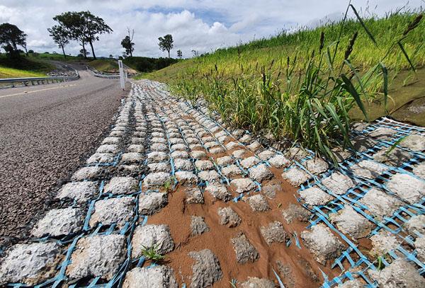australian-concrete-mat-swale-drain